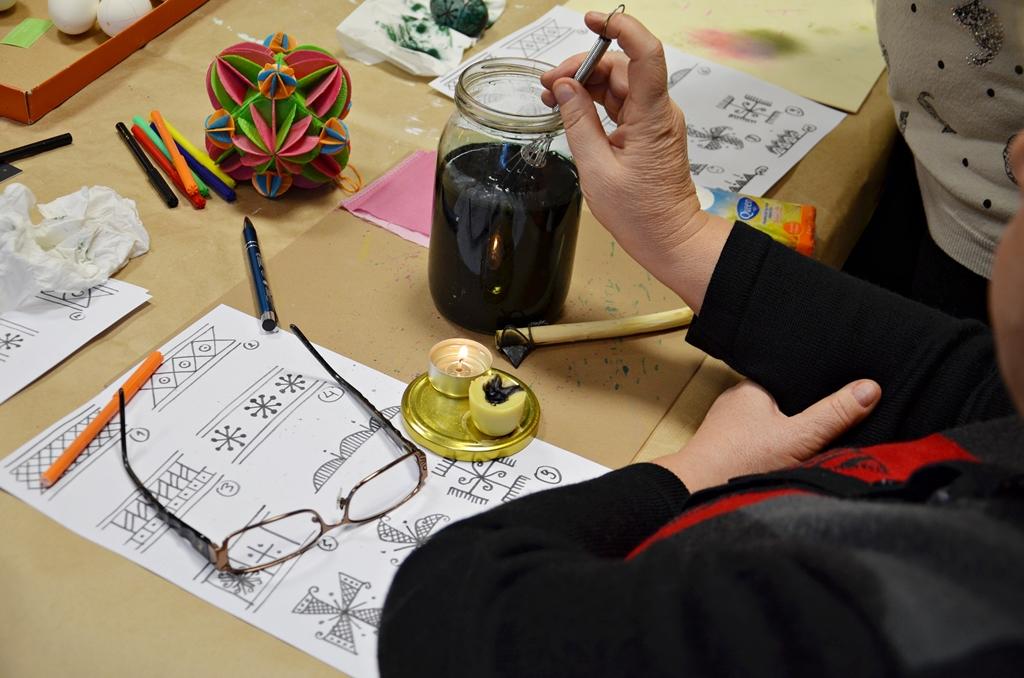 arthobbystudio lublin0014warsztaty pisanka batikowa tradycyjna