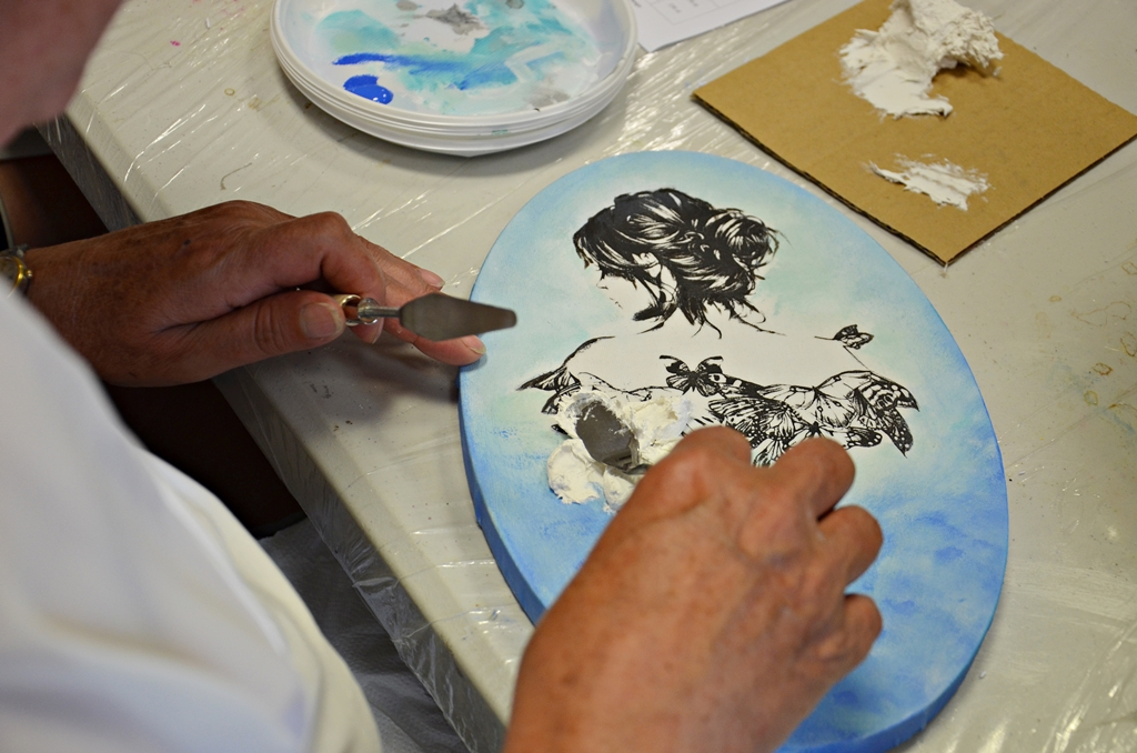 arthobbystudio lublin0008warsztaty obraz na dzien matki mixmedia pasta fiber podobrazie owalne