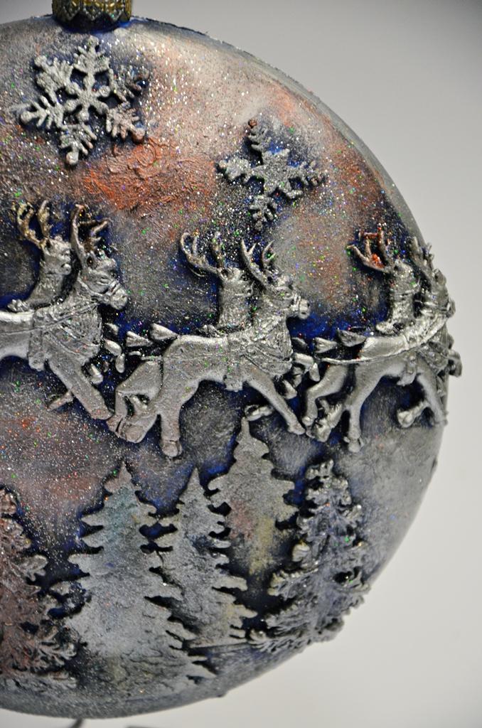 arthobbystudio lublin0006warsztaty swieta ozdoby dekoracje decoupage mixmedia bombka z mikolajem