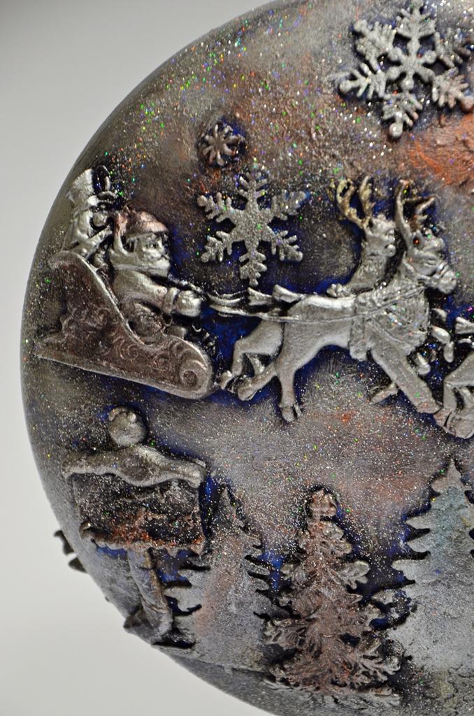 arthobbystudio lublin0007warsztaty swieta ozdoby dekoracje decoupage mixmedia bombka z mikolajem