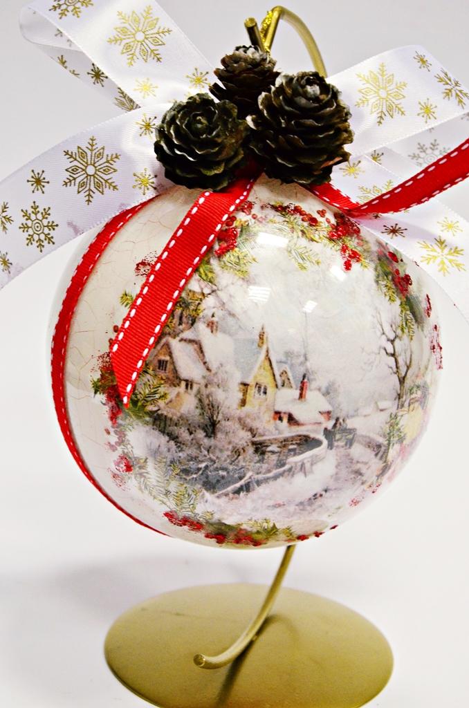 arthobbystudio lublin0012warsztaty swieta ozdoby dekoracje decoupage mixmedia bombka spekania crackle