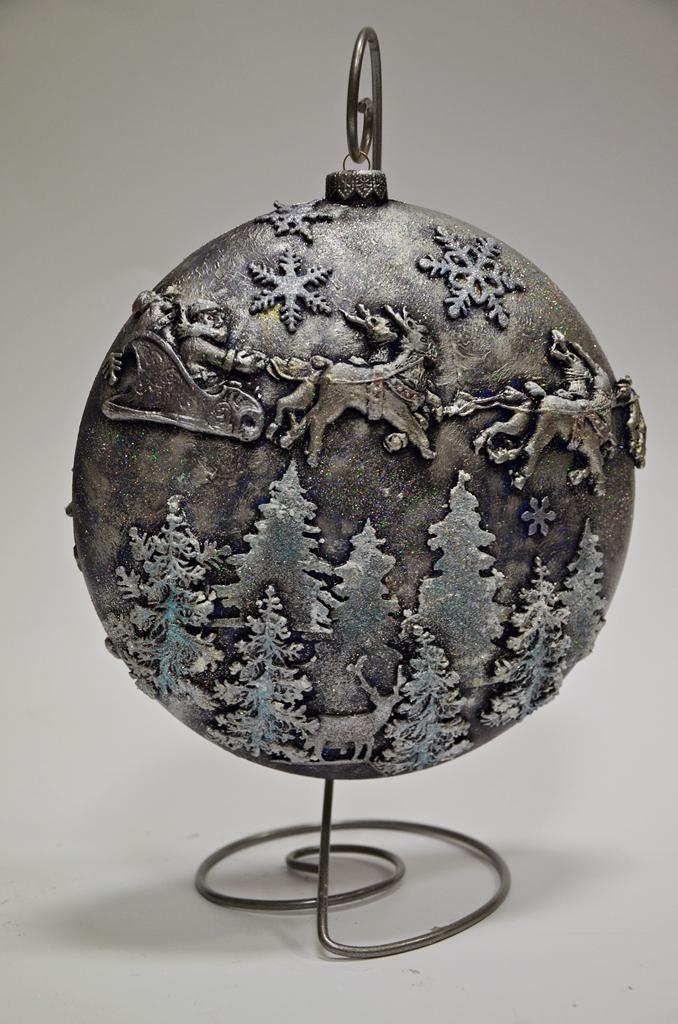 arthobbystudio lublin0018warsztaty swieta ozdoby dekoracje decoupage mixmedia bombka z mikolajem