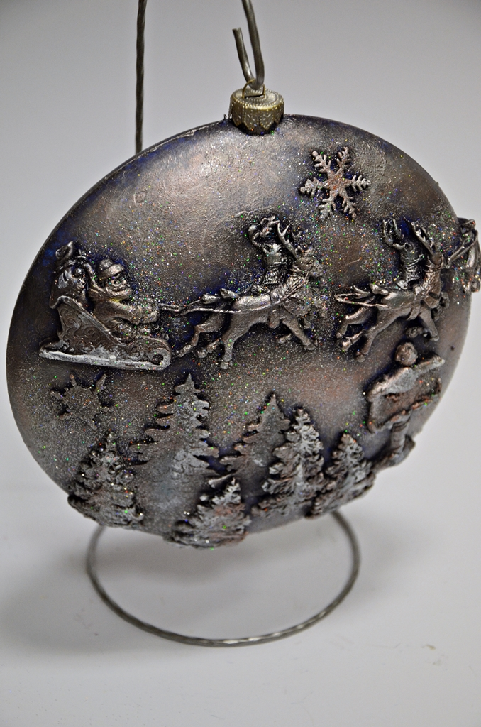 arthobbystudio lublin0024warsztaty swieta ozdoby dekoracje decoupage mixmedia bombka z mikolajem