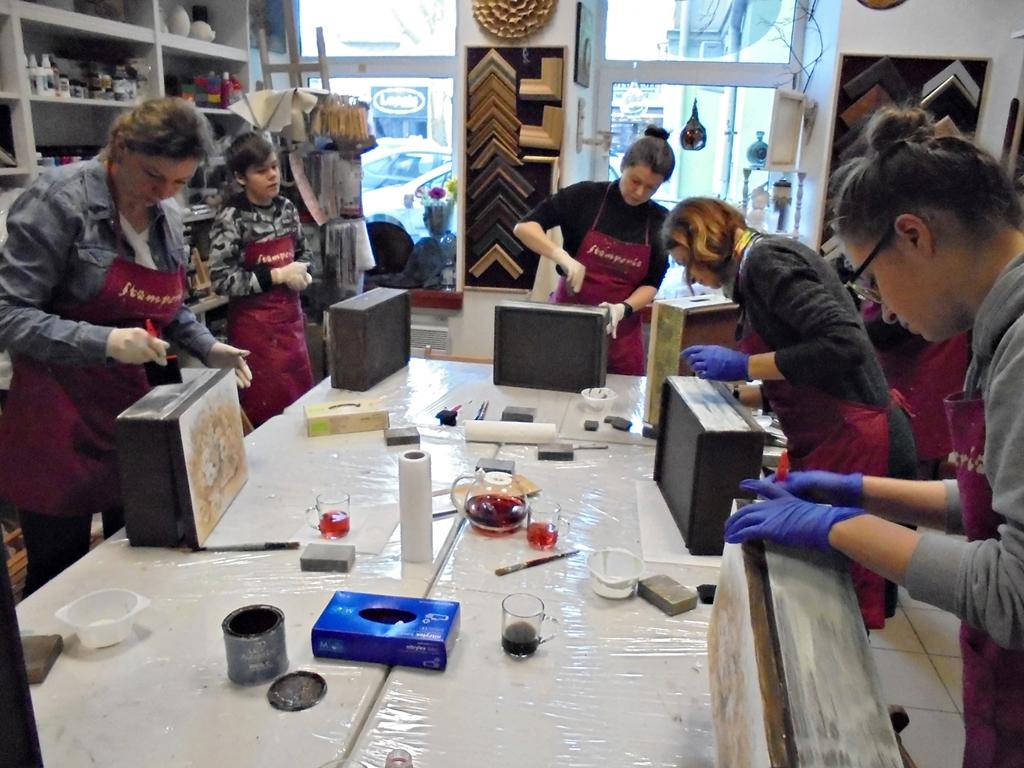 arthobbystudio lublin0001warsztaty kosz kwiatowy decoupage mixmedia skrzynia