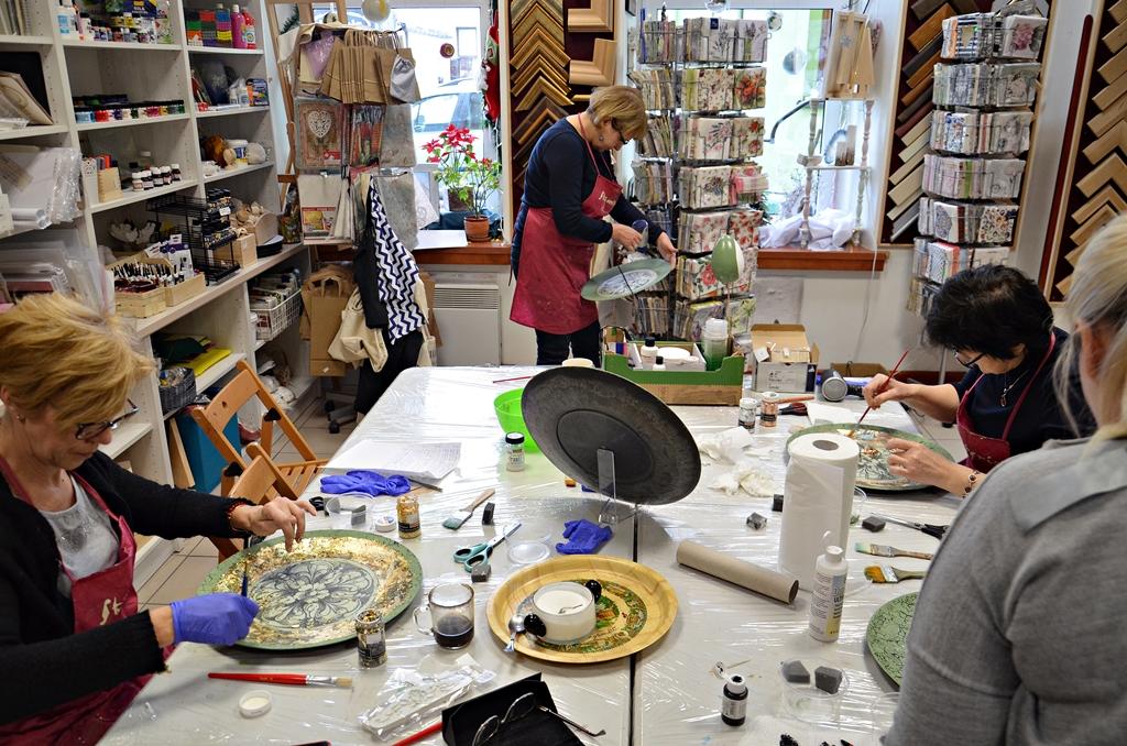 arthobbystudio lublin0002warsztaty patera barokowa mixmedia decoupage transfer zlocenia patynowanie spekania zofia szewczyk