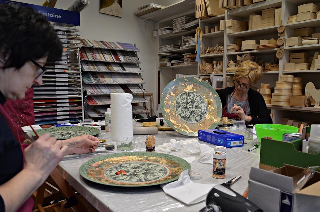 arthobbystudio lublin0005warsztaty patera barokowa mixmedia decoupage transfer zlocenia patynowanie spekania zofia szewczyk