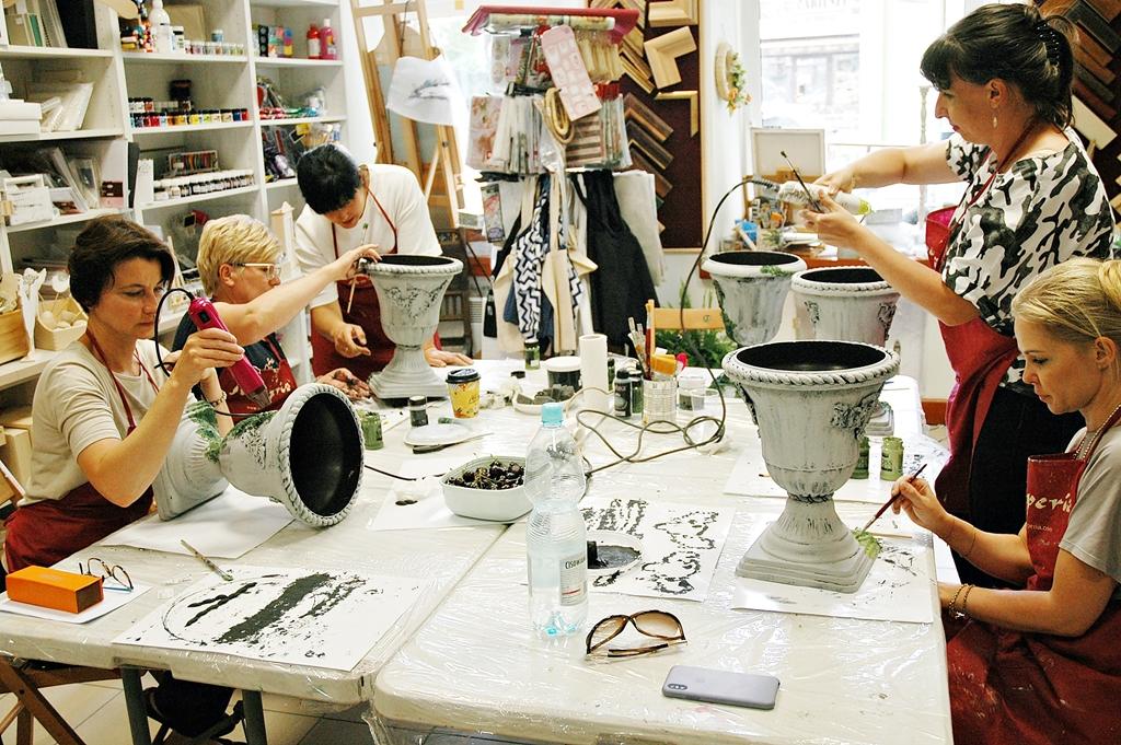 arthobbystudio lublin0004warsztaty efekt betonu mchu stylizacja ornament donica palacowa