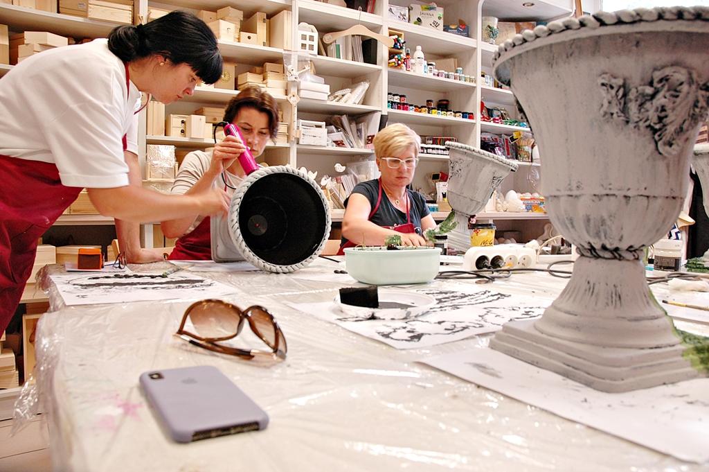 arthobbystudio lublin0011warsztaty efekt betonu mchu stylizacja ornament donica palacowa