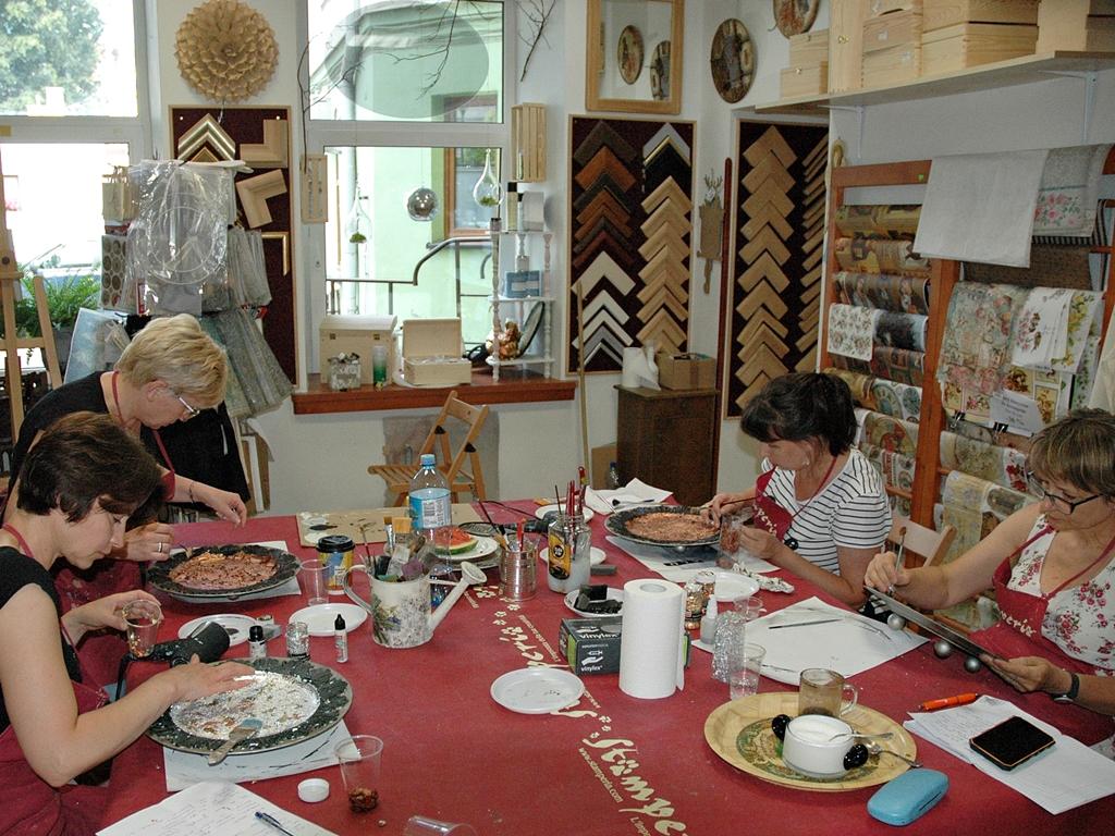 arthobbystudio lublin0005warsztaty patera talerz efekt antyczne srebro ornamenty dekoracja dekoracyjna zofia szewczyk