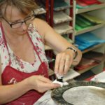 arthobbystudio lublin0009warsztaty patera talerz efekt antyczne srebro ornamenty dekoracja dekoracyjna zofia szewczyk 150x150