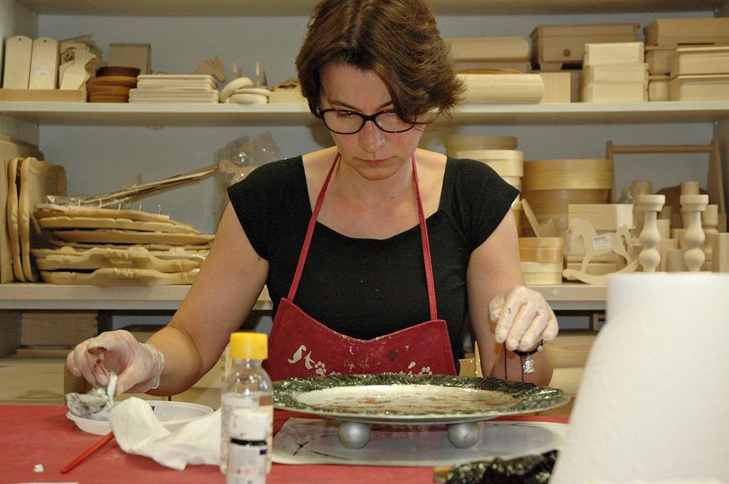 arthobbystudio lublin0010warsztaty patera talerz efekt antyczne srebro ornamenty dekoracja dekoracyjna zofia szewczyk