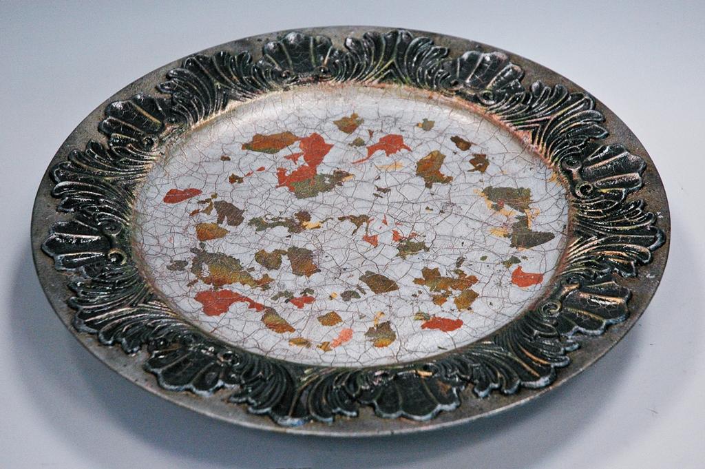 arthobbystudio lublin0037warsztaty patera talerz efekt antyczne srebro ornamenty dekoracja dekoracyjna zofia szewczyk