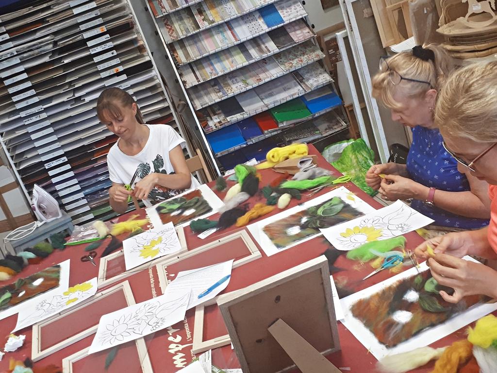 arthobbystudio lublin0003warsztaty welnamalowane welna malowane sloneczniki slonecznik