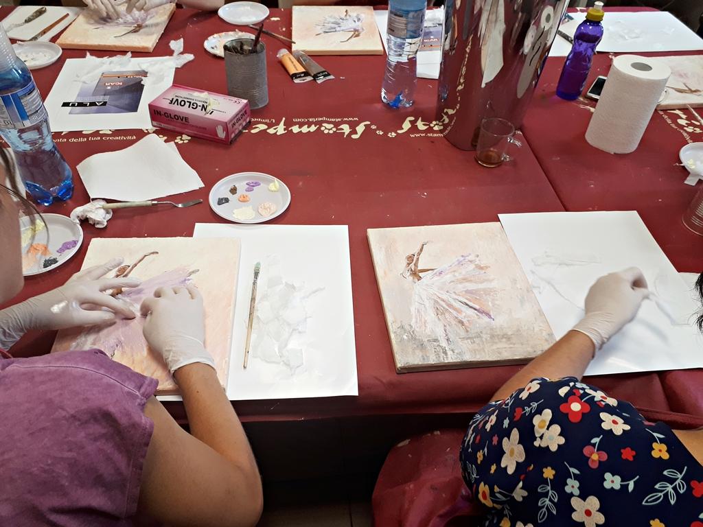 arthobbystudio lublin0007warsztaty obraz na plotnie baletnica malarstwo szpachelkowe cieniowania