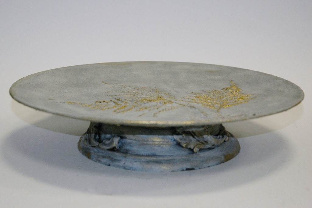 arthobbystudio lublin0008warsztaty efekt betonu jesienna taca z paprocią zlocenia