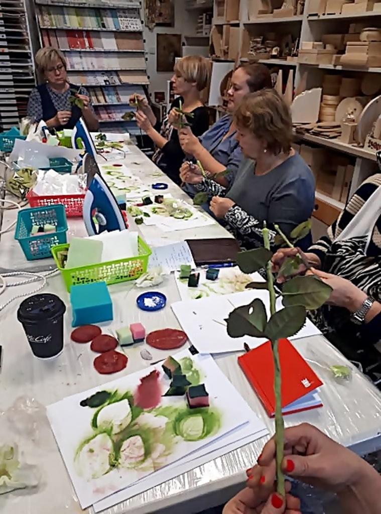 arthobbystudio warsztaty028 20191121foamiran kreatywna pianka kwiaty z foamiranu