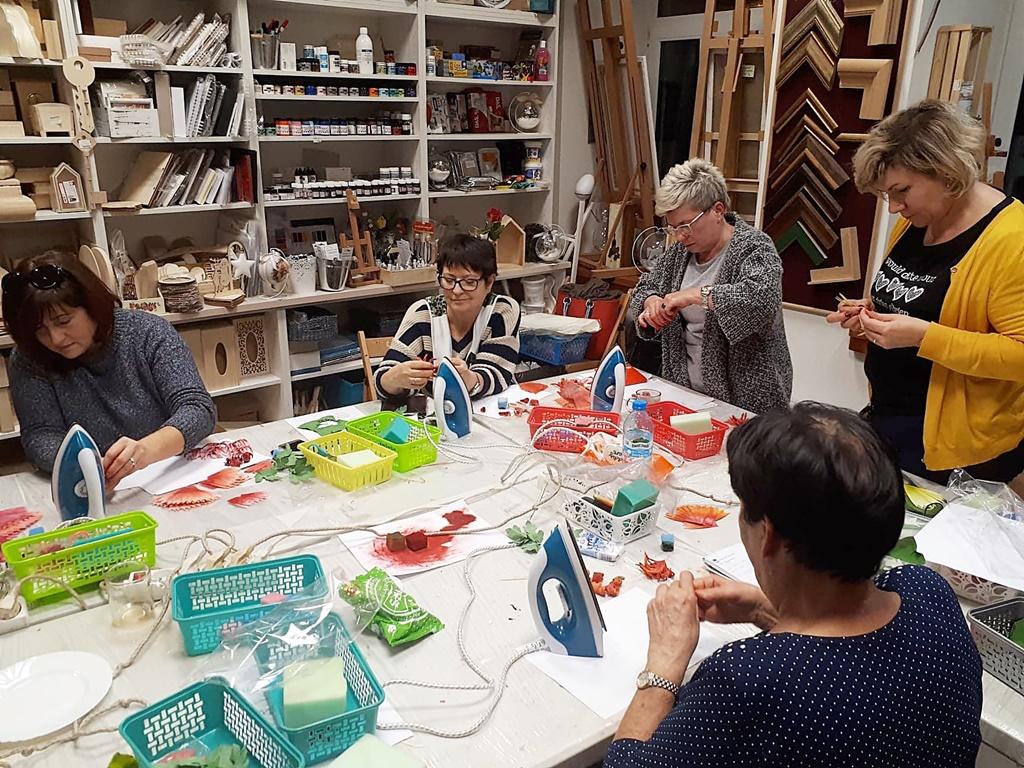arthobbystudio warsztaty035 20191121foamiran kreatywna pianka kwiaty z foamiranu