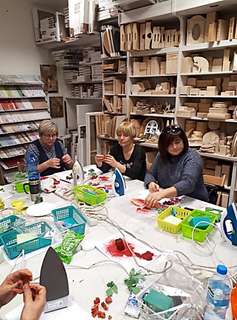 arthobbystudio warsztaty045 20191121foamiran kreatywna pianka kwiaty z foamiranu